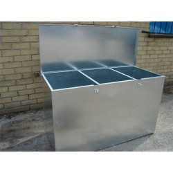Triple Comp Medium Height Feed Bin - 3 compartments