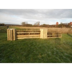 SET 1c - 2 Pillars and Brush Filler, 3 System Poles + 8ft x 2ft Double Brush Fence Box Set